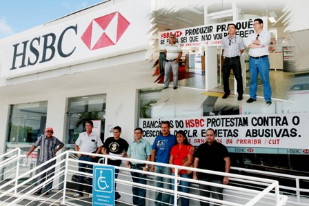 hsbc_protesto_270212_red4x3.jpg