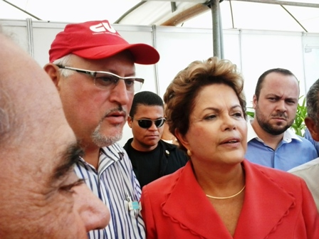 Marcos Dilma 040313 red4x3