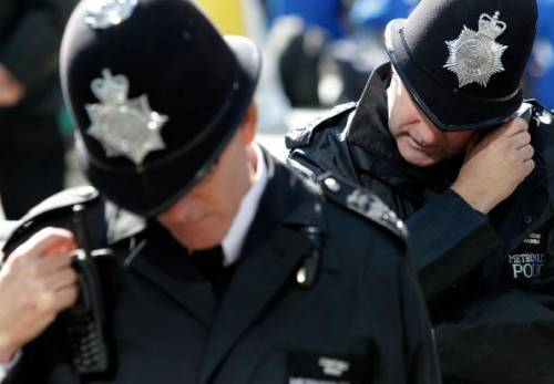 policia-inglesa-investiga